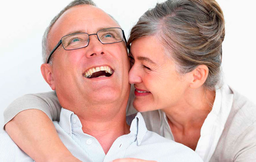 ¿Son aptos los implantes dentales en la tercera edad?