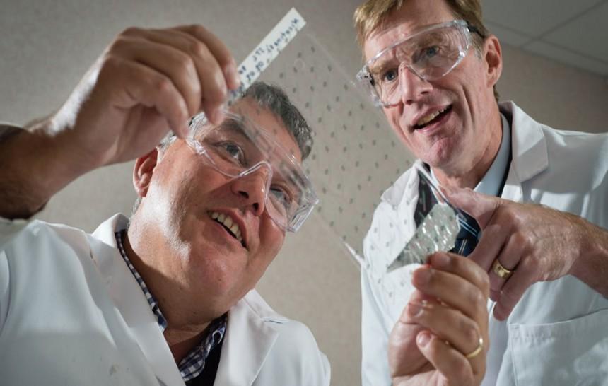 Científicos británicos crean un parche de ibuprofeno