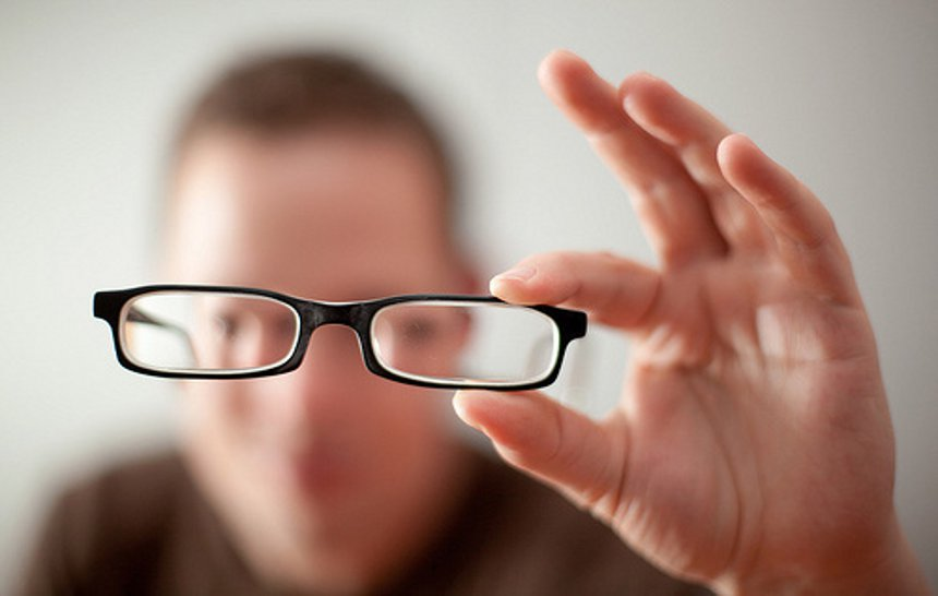 Crean unas lentes capaces de frenar el aumento de la miopía